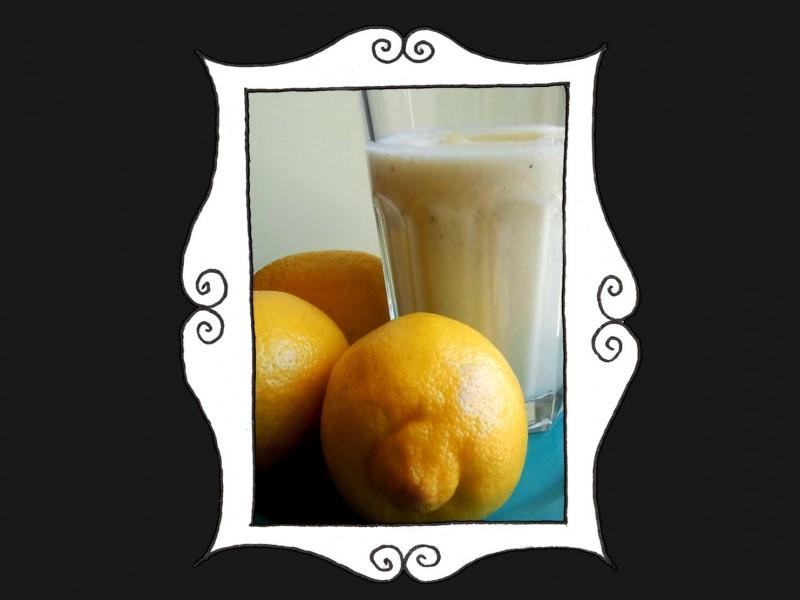 Bananowo-ananasowy koktajl
