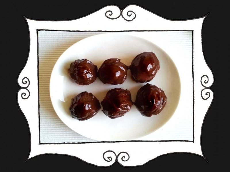 Truskawki z amaretto w czekoladzie1