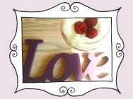 Przepis na Deser LOVE MALINA, czyli gorący mus malinowy z bitą śmietaną, bazylią, chilli oraz lodami waniliowymi